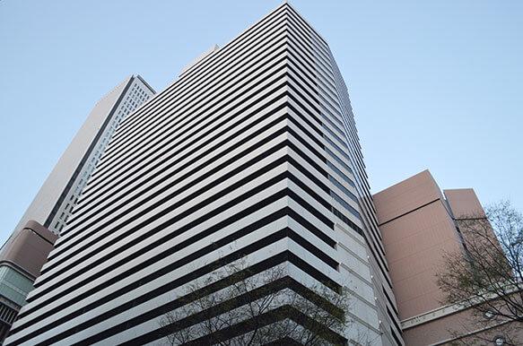 弁護士法人リーガルマイル梅田オフィスは阪急グランドビルの20階にございます